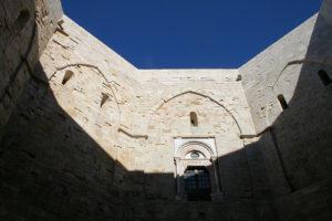 immagine castel del monte raggio1