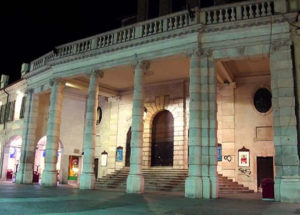San barnaba - porta del Teatro