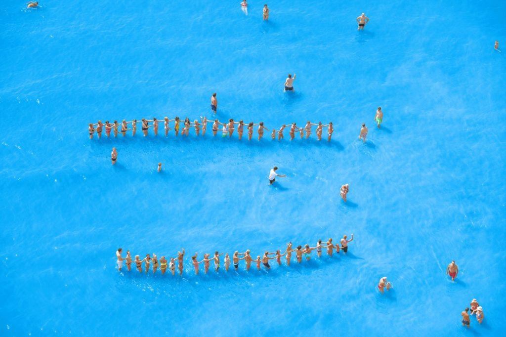 Estate - ©Olivo Barbieri, Adriatic Sea (Staged) Dancing People 14, 2015.