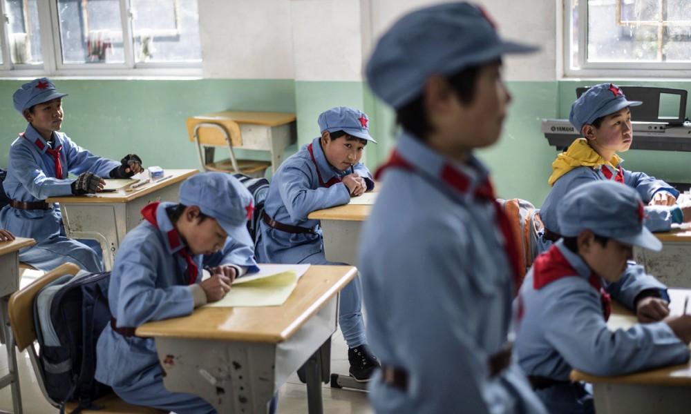 Uniforme nella scuola cinese di Beichuan