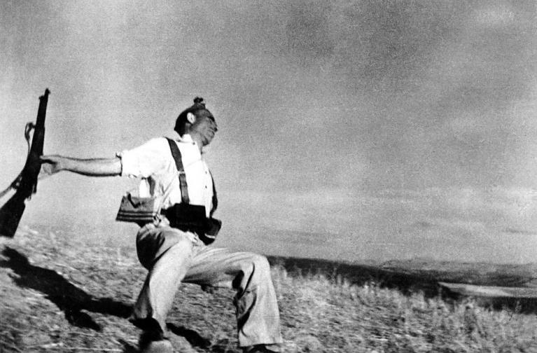 Robert Capa, Morte di un miliziano, 1936