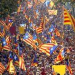 Dopo il referendum la Catalogna vuole la secessione: Madrid e Barcellona sempre più lontane