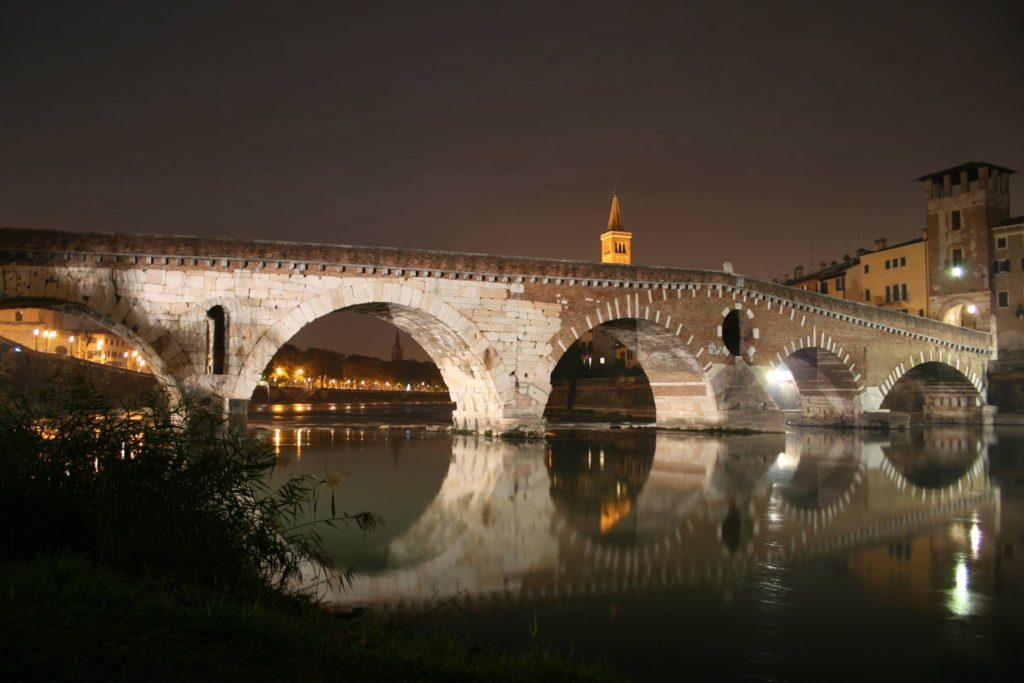 ponti artificiali Verona ponte pietra