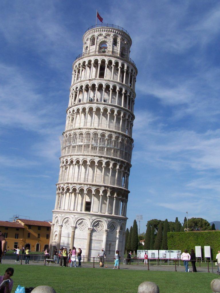 """ALT=""""torre di pisa"""""""