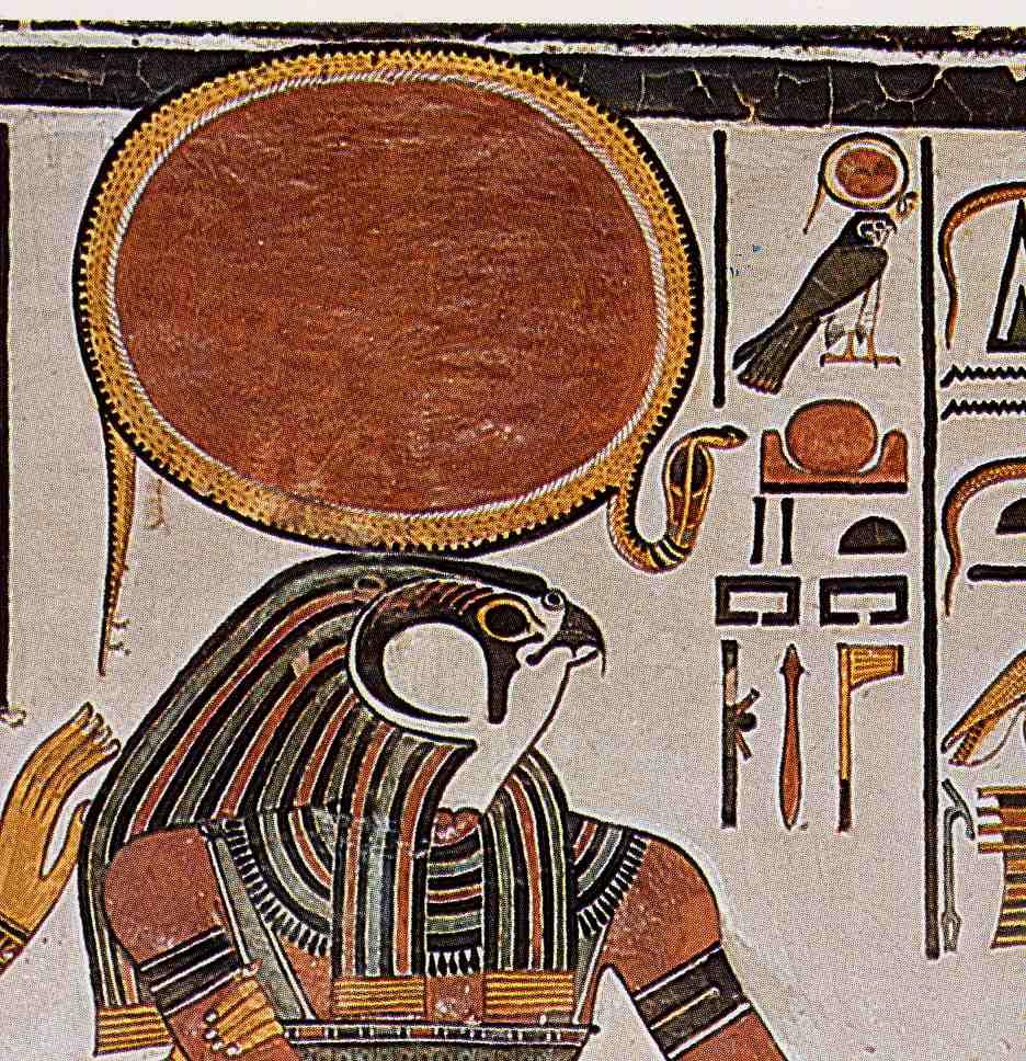 Dio del Sole in Egitto - Horus sormontato da Ra