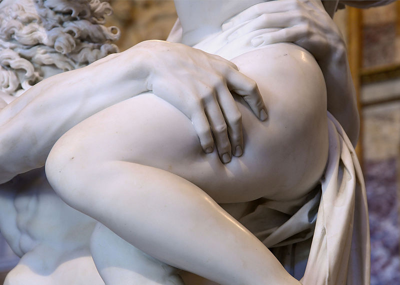 il ratto di proserpina - Gian Lorenzo Bernini - particolare della mano di Plutone che stringe la coscia di Proserpina