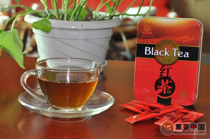colori in cinese - il tè nero viene tradotto 红茶 (tè rosso)
