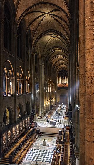 """ALT=""""Notre Dame de Paris navate"""""""