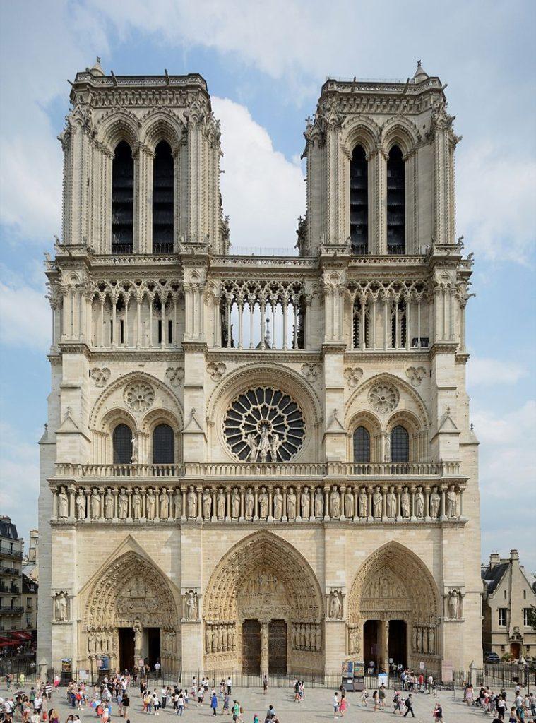 """ALT=""""Notre-Dame de Paris - la facciata con i tre portali"""""""