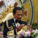 Il sultano del Brunei annienta i diritti umani