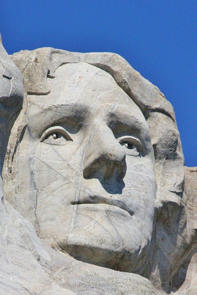 Il volto di Thomas Jefferson scolpito nella pietra.