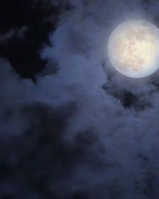 Allunaggio - Lune nel cielo