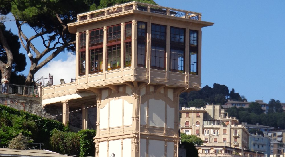 Genova: ascensore di Castelletto
