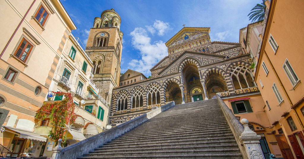 scalinata verso la Cattedrale di Amalfi