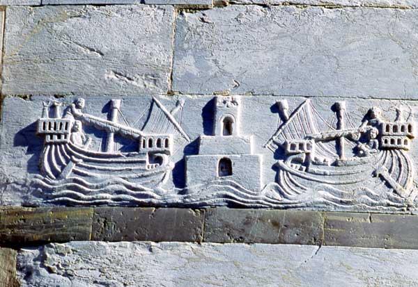 faro e navi Pisa