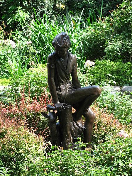 Statua di Peter Pan al Carl Schulz Park diNew York.