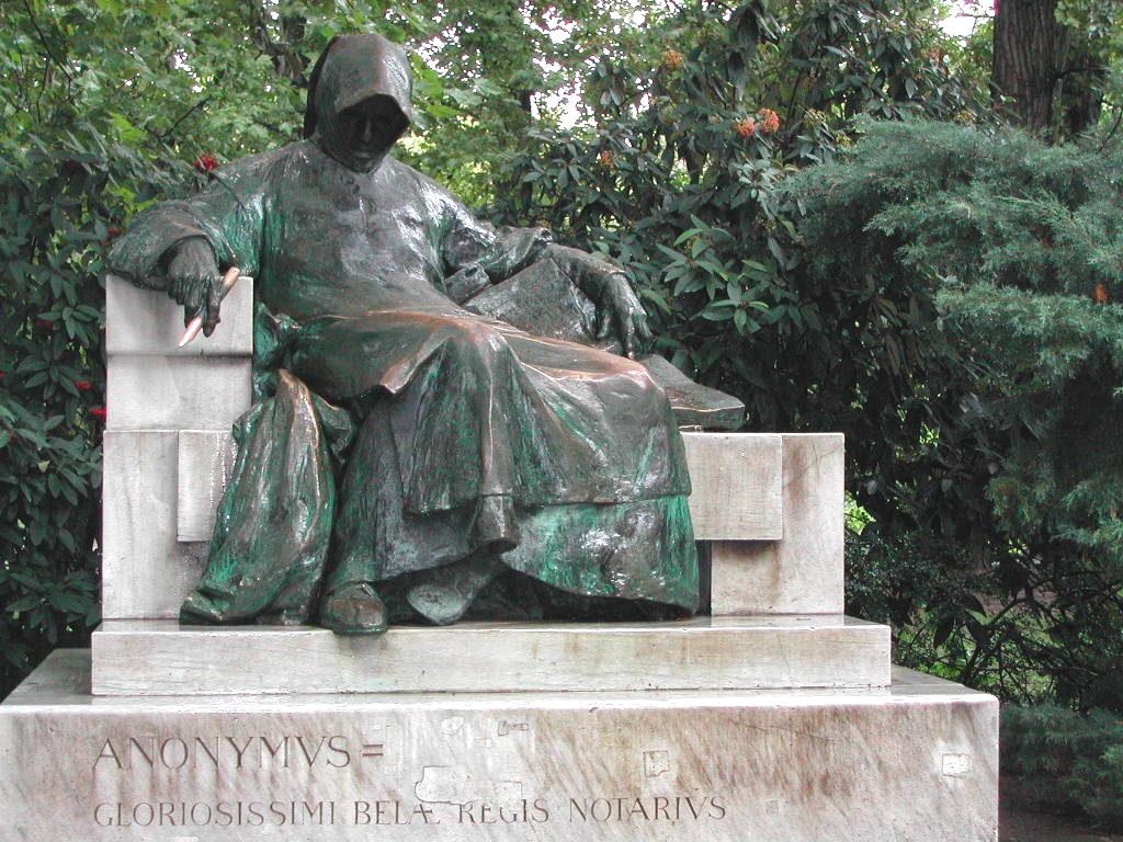 Statua di Anonymous a Budapest.