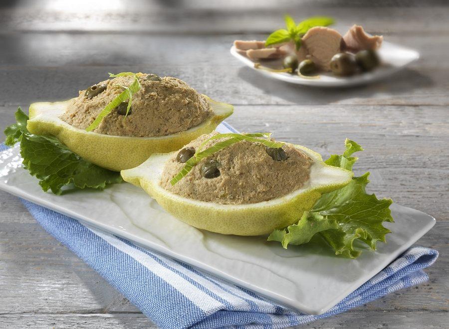 Limoni ripieni alla crema di tonno