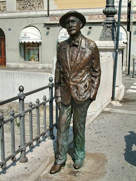 Statua di James Joyce.