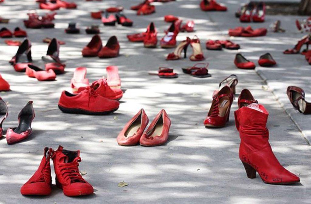Diritti delle donne - manifestazione scarpe rosse