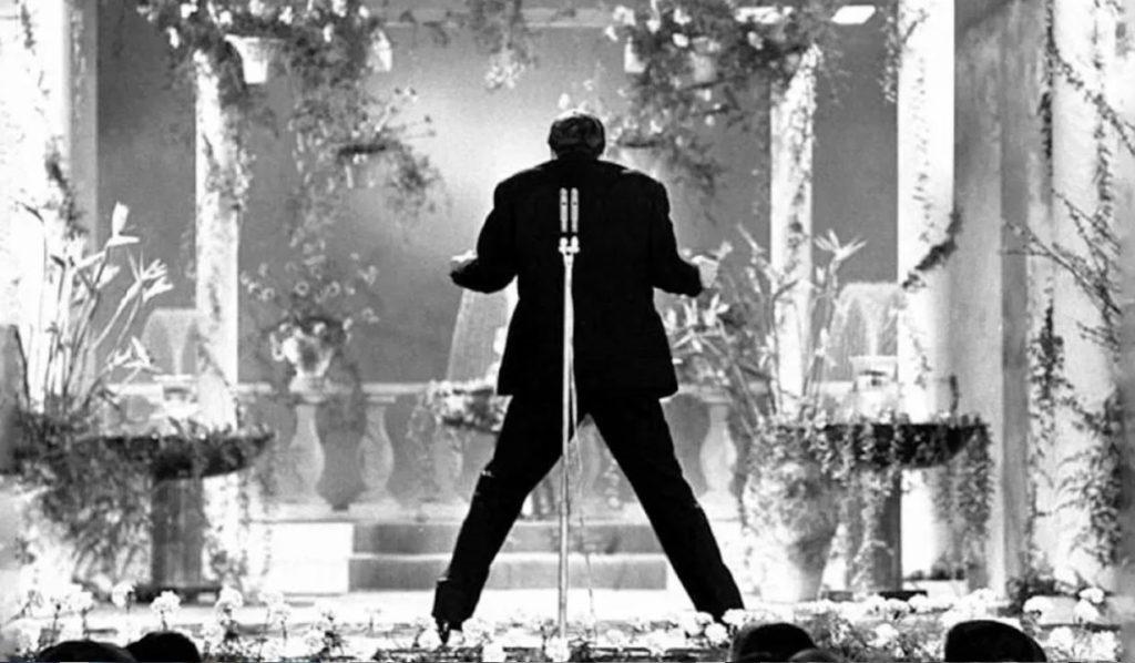 """Adriano Celentano al Festival di Sanremo con """"24.000 baci"""""""