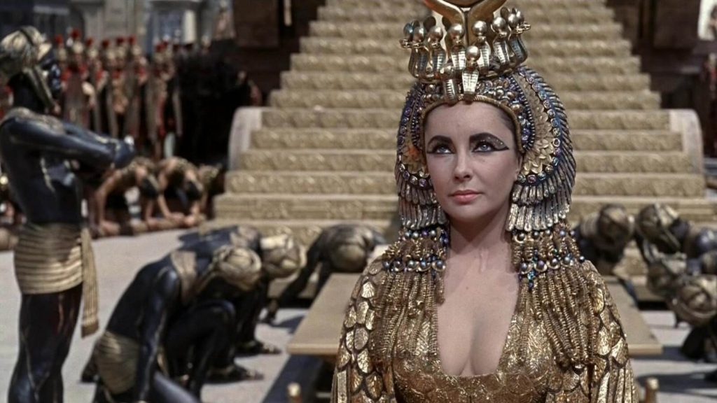 Liz Taylor nel ruolo di Cleopatra