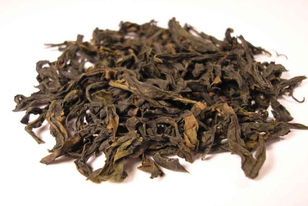 Foglie di tè oolong (乌龙茶)