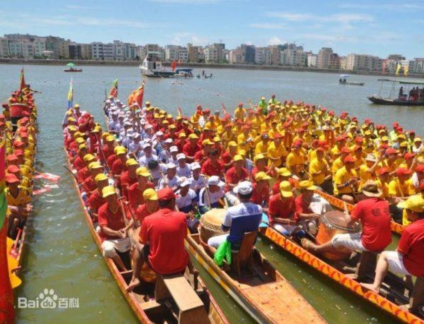 Gara delle barche drago (扒龙船)