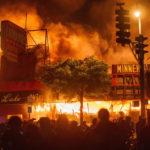 Le proteste infiammano l'America dopo il caso George Floyd