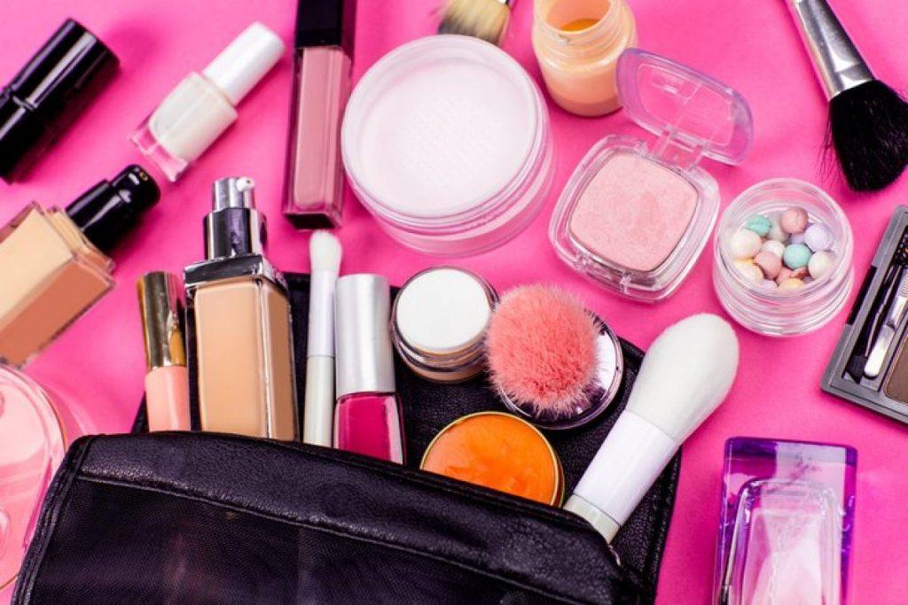 I prodotti di make up da tenere nel beauty case