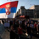 Serbia: il nuovo lockdown scatena la rivolta