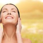 Curare la pelle dopo le vacanze estive: la guida