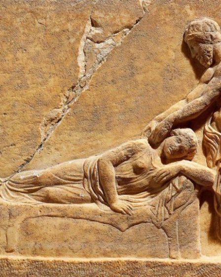 Medicina Greca ed Ellenistica - Bassorilievo votivo del Santuario di Asclepio del Pireo