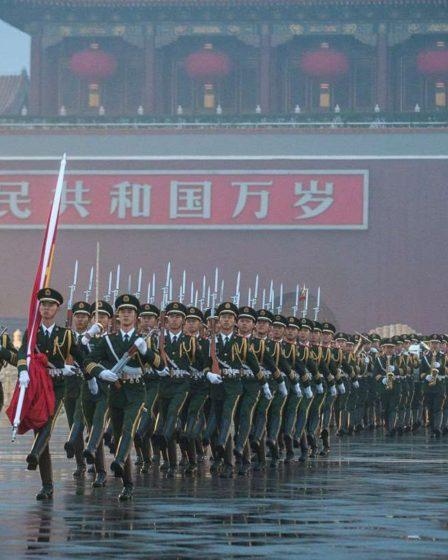 Cerimonia dell'alzabandiera nel corso della festa nazionale cinese del 2013