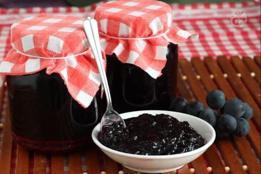 Marmellata d'uva nera