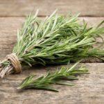 Rosmarino: proprietà, valori nutrizionali e ricette