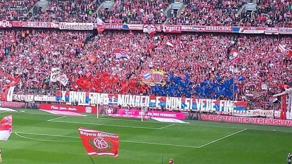 Tifosi Sanbenedettese nella partita contro il Bayern Monaco