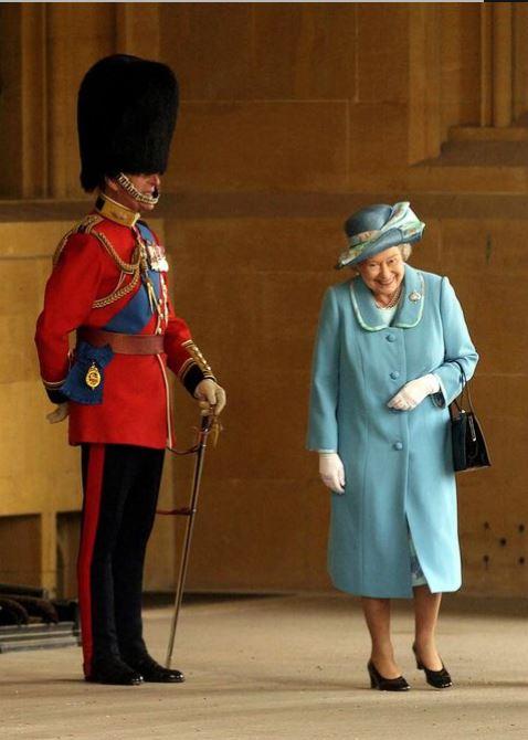 Elisabetta II e Filippo - momento d'ilarità