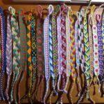 Friendship bracelets, i colorati braccialetti dell'amicizia!