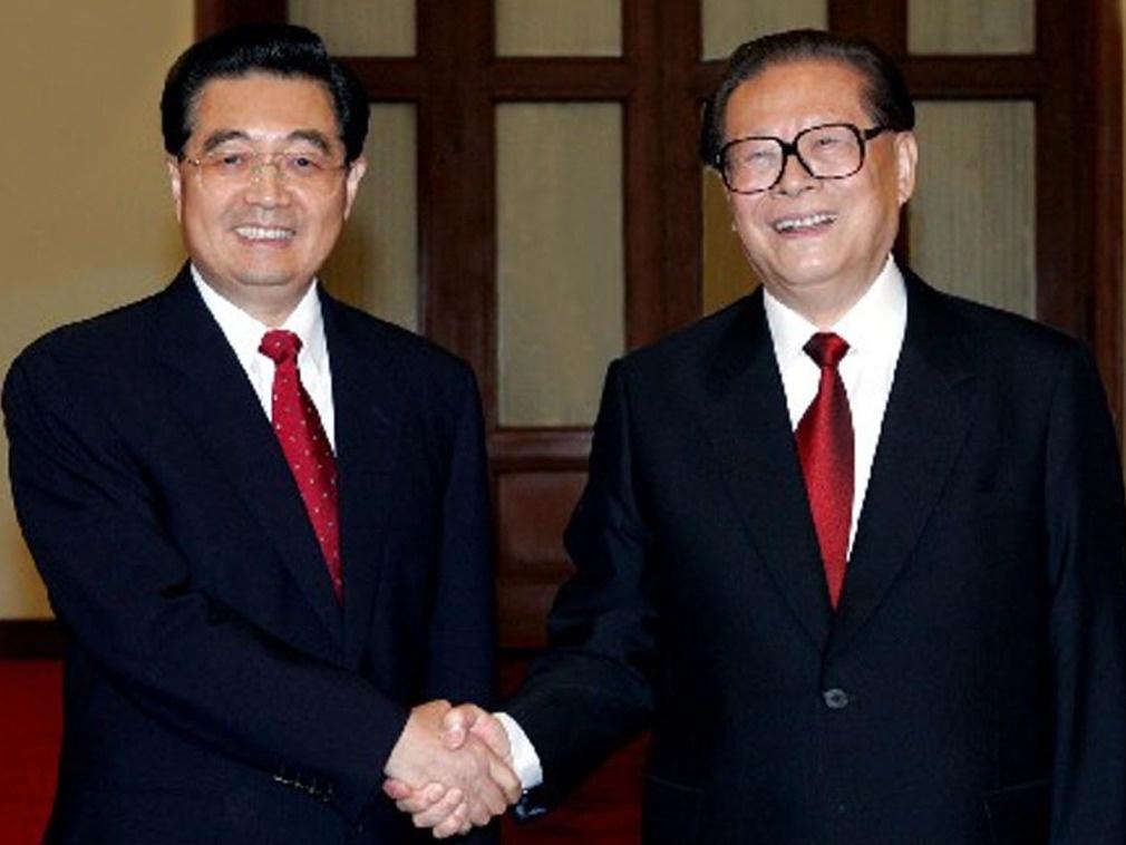 I segretari del partito comunista cinese Hu e Jiang